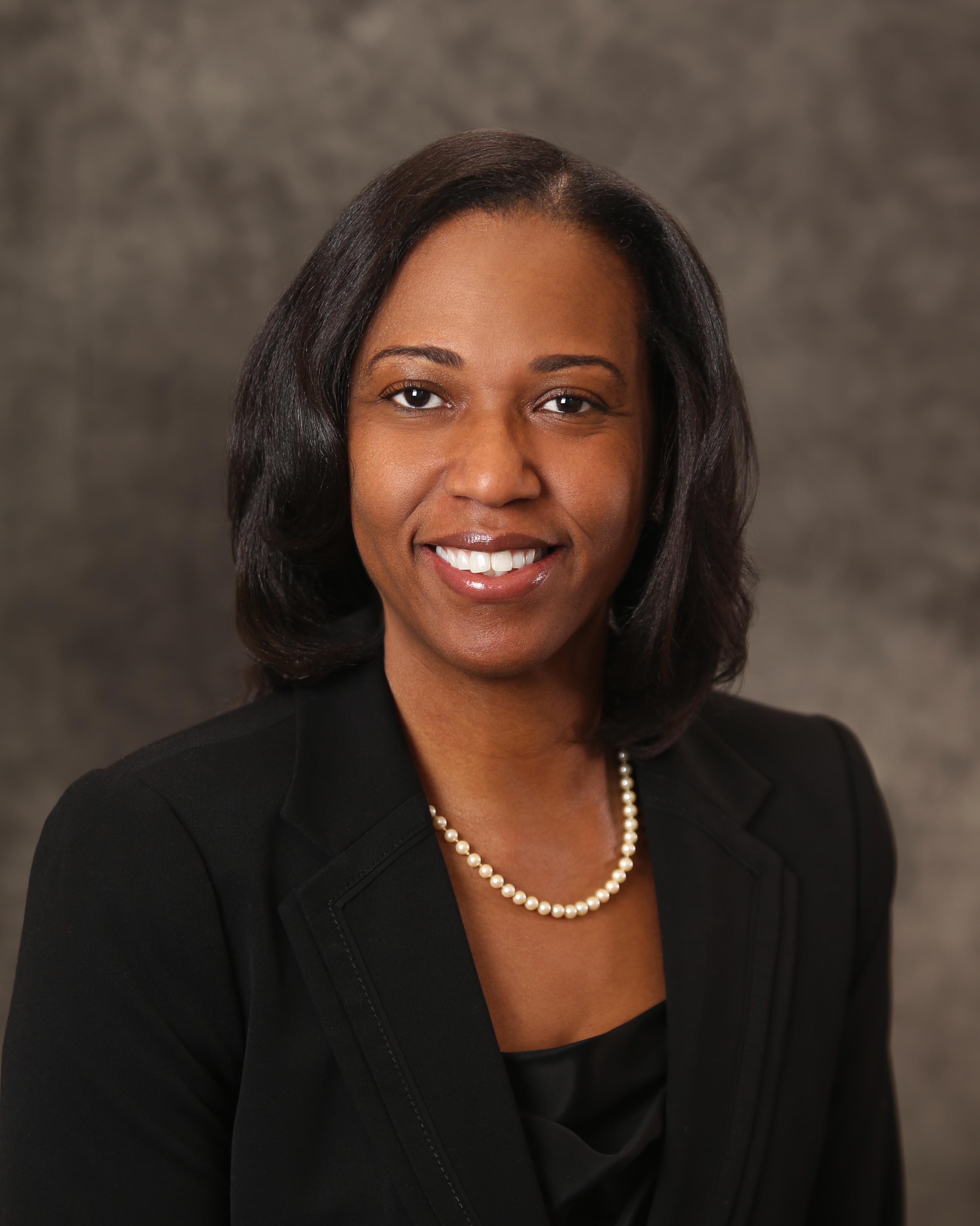 Jacqueline Greene : Senior Financial Analyst